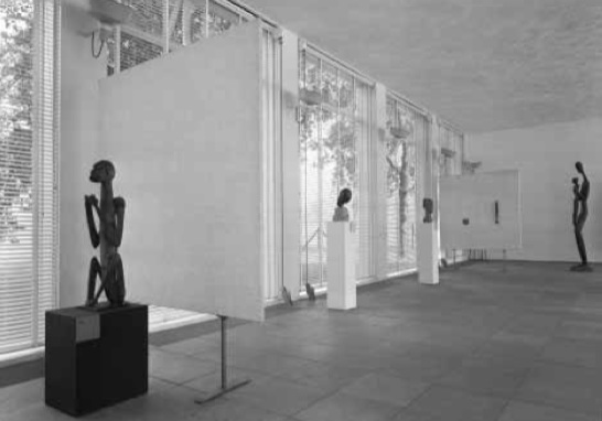 6. Nieuwe vleugel, Stedelijk Museum, tentoonstelling 'Moderne kunst, nieuw en oud', 1955